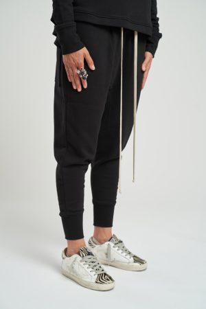 Pantalon Bastonetto Feminin fabricat manual din bumbac de culoare neagra