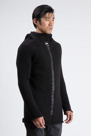 Pulover Berlin de culoare neagra fabricat manual din lana