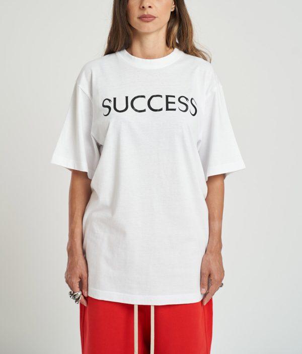 Tricou Success Feminin cu scris negru pe piept, fabricat manual din bumbac