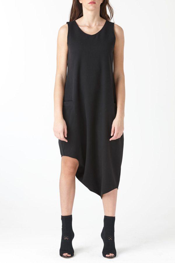 costum asimetric pentru femei produs de A.M.Couture