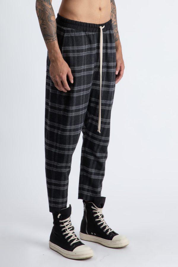pantalon cu model scotian in carouri